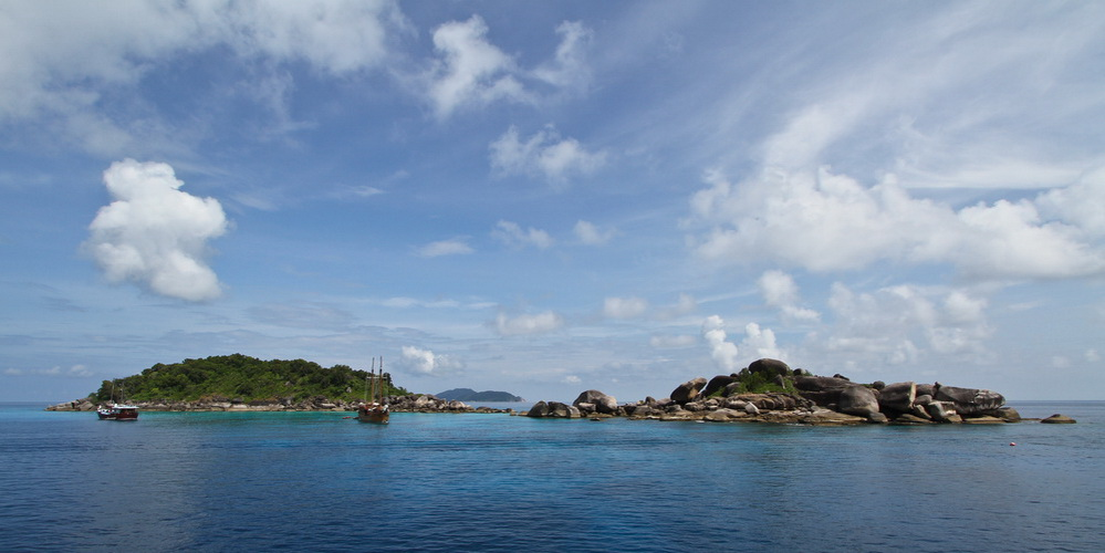 Similan islands deiving season